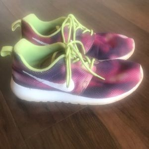 NIKE Tie Dye Boho Lightweight Statement Sneakers